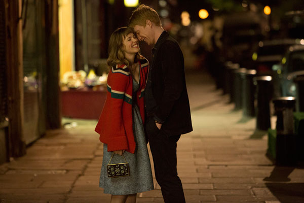 Rachel McAdams and Domhnall Gleeson in 'About Time'