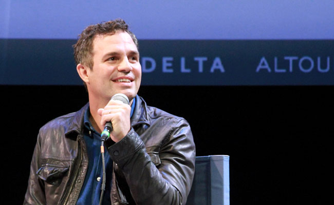 Mark-Ruffalo-convo-closeup