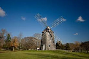 East-Hampton-windmill
