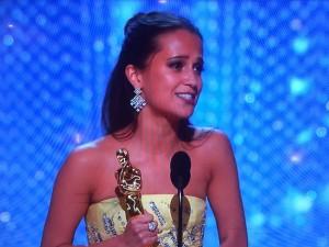 Alicia-Vikander-Oscars-2016